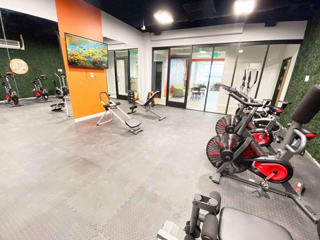 Fitness center at Circle Hub