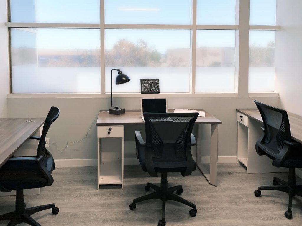 Desks at Circle Hub