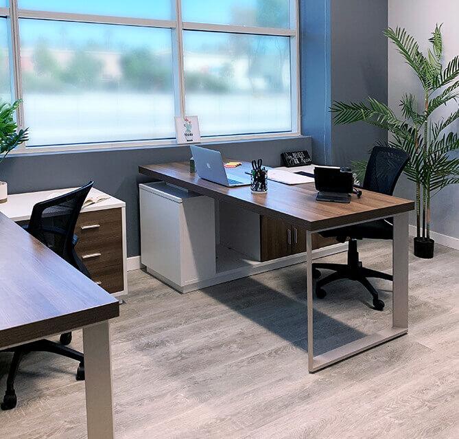 Desks at Circle Hub Ventura
